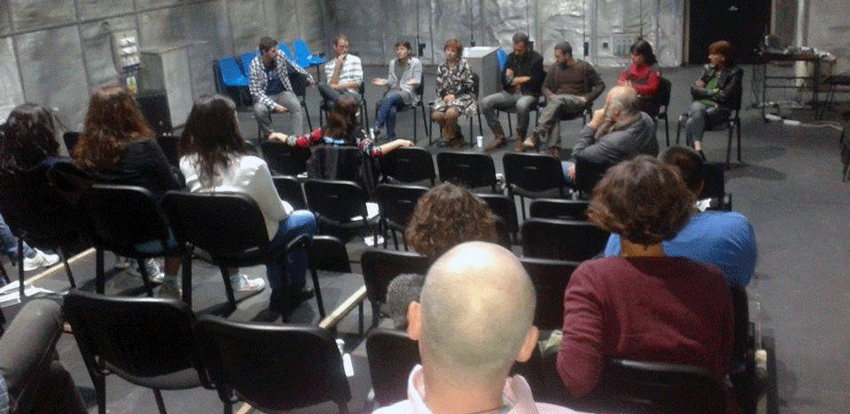 Discutie cu publicul la Stagiunea Teatrul Istoriilor Recente. foto Madalina Branduse